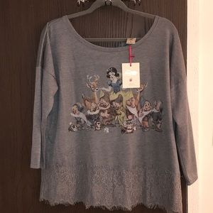 NWT LC Disney Snow White pullover